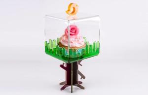 Alzatina per dolci in plexiglass di Silvia Caliendo